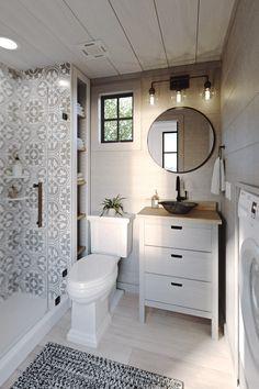 Modern Tiny House, Tiny House Cabin, Tiny House Living, Tiny House Plans, Tiny House Design, Ideal House, Rv Living, Pool House Bathroom, Basement Bathroom