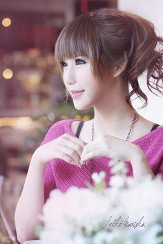 Aelke Mariska saat ini dikenal sebagai seorang aktris berkebangsaan Indonesia.