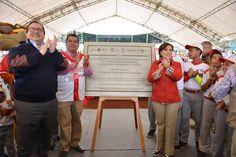 El Gobernador del Estado inauguró el Estadio Deportivo Yanga, acompañado por la titular de la Secretaria de Desarrollo Agrario, Territorial y Urbano (Sedatu) y el alcalde de Yanga.