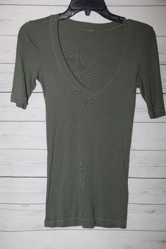 2103989d94b Women's Olive Green 3/4 Sleeve V Neck Knit Fitted Top Shirt Solid Size Small
