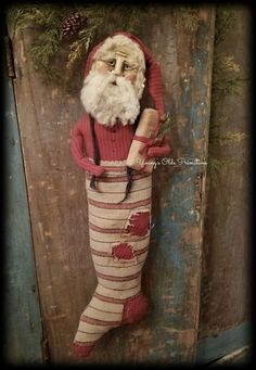 Young's Olde Primitives Country Christmas Ornaments, Primitive Christmas Decorating, Old Time Christmas, Primitive Santa, Vintage Christmas Images, Old Fashioned Christmas, Winter Christmas, Christmas Stockings, Christmas Wreaths