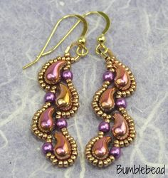 These pretty earrings are easy to make using this tutorial. It explains the process in detail supported by clear step by step photography. You will need left and right Zoliduos beads, 3mm pearls and size 15 miyuki beads as well as wire guardians and earwires. The tutorial is suitable for a beginner. It is very detailed and thorough so easy for a beginner to follow. I am happy for you to sell items made using the tutorial locally, in galleries and at local craft fairs. I do not permit the…