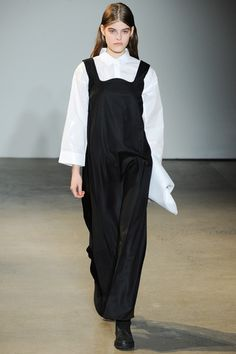 MM6 Maison Martin Margiela Fall 2014 Ready-to-Wear Collection Slideshow on Style.com