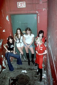 Vintage style icon babes- The Runaways. Photo Rock 67e5e3829