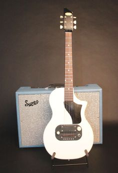 50's Supro Ozark with Supro 1624t amp. The Guitars That Chicago Built | Premier Guitar
