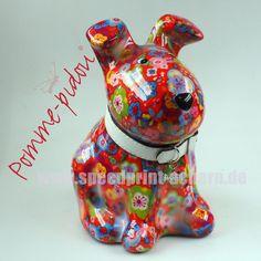 Pomme Pidou Hund sitzend rot Blumen