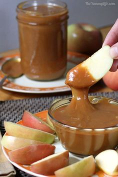 avocado dessert recipes, german desserts recipes, peanut butter desserts recipes - Slow Cooker Caramel Sauce -- You won't believe how easy it is to make this awesome gooey sauce for dipping apples or drizzling on desserts. Crock Pot Desserts, Slow Cooker Desserts, Slow Cooker Recipes, Just Desserts, Crockpot Recipes, Dessert Recipes, Cooking Recipes, Desserts Caramel, German Desserts