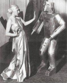 Retro chicks and robots (sometimes) behaving badly | Dangerous Minds