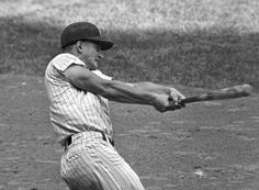 Roger Maris hits his 61st Home Run in 1961