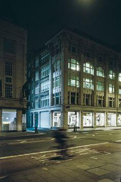 Oscar-arribas-photography-fotografo-portrait-retrato-editorial-london-street-photography-urbana-londres-film-analog-35mm-night-nocturna-62.jpg