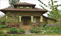 The Daily Bungalow::Classic Cottage | Flickr - Photo Sharing!