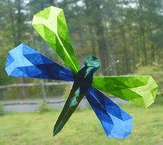 The Enchanted Tree: Folded Paper Dragonflies. What a cute take on the tissue-paper suncatcher craft! Summer Crafts, Crafts For Kids, Enchanted Tree, Dragon Fly Craft, Papier Diy, Dollar Tree Christmas, Christmas Trees, Waldorf Crafts, Tissue Paper Crafts