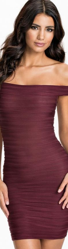 Cheap vestido off, Buy Quality dress vestidos directly from China mini dress Suppliers: Women Sexy Off Shoulder Solid bodycon Short Sleeve Mini Dress Vestidos Shades Of Maroon, Burgundy Fashion, Dress For Success, Colorful Fashion, Fashion Boutique, Lady, Cool Outfits, Fashionable Outfits, Strapless Dress Formal