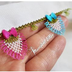 Crochet Wristlet – Узор спицами имитация косы – Knitting patterns, knitting designs, knitting for beginners. Knitting Stitches, Knitting Designs, Knitting Patterns, Braidless Crochet, Crochet Christmas Ornaments, How To Make Necklaces, Elements Of Design, Needle Lace, Crochet Videos