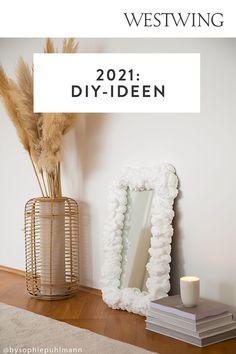 Der DIY-Trend wird sich auch in diesem Jahr fortsetzen – ob zum Verschönern des eigenen Zuhauses, zur Entspannung nach Feierabend, zur Bespaßung der Kleinen oder zum Verschenken an die Liebsten. Wir zeigen Ihnen deshalb hier die 7 schönsten Basteltrends 2021. Lassen Sie sich von unseren Ideen inspirieren und werden Sie selbst kreativ!/Westwing Interior DIY Basteln Trend 2021 twisted candles foam Spiegel Kerzen Zuhause Modelliermasse Diy Trend, Flamingo, Trends, Inspiration, Interior, Modelling Clay, Mirrors, Home