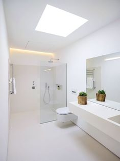 Bathroom Tub: The Complete Guide to Choosing Your Bathroom - Home Fashion Trend Bathroom Design Luxury, Bathroom Layout, Modern Bathroom Design, Small Bathroom, Bathroom Green, Downstairs Bathroom, Bathroom Design Inspiration, Bad Inspiration, Bathroom Installation