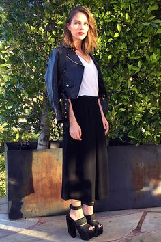 365 days of looks: Maripier Morin Day 72 / 365 jours de looks: Maripier Morin Jour 72 Morin, Fashion And Beauty Tips, Crop Top Bikini, Style Challenge, Celebs, Celebrities, Stylish Girl, Girl Crushes, Outfit Of The Day
