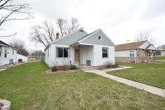 New Milwaukee listing by Colette Petitt. ''Gutentag''! 3 bedroom Ranch near German Immersion School with gorgeous remodeled Eat-In kitchen seeks new owner. Listed at $124,900. 3808 N 81st Street, Milwaukee. Call or text Colette at 414-581-5938 or e-mail cpettit@firstweber.com.
