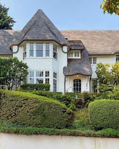 """Daniel J. Kiser on Instagram: """"A charming home with a whimsical roofline designed by A.E. Doyle in 1924. Can now be yours for only $4 million."""" Daniel J, Whimsical, Houses, Mansions, Canning, Architecture, House Styles, Instagram, Design"""