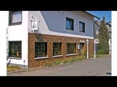 Hotel Haus Erlen - Olsberg-Assinghausen - Visit http://germanhotelstv.com/haus-erlen This charming hotel in the scenic Sauerland region enjoys a central location in the village of Assinghausen between the beautiful Arnsberger Wald and Diemelsee nature reserves.   The Hotel Haus Erlen is an ideal place to relax and unwind. -http://youtu.be/IIcFh0zBARc