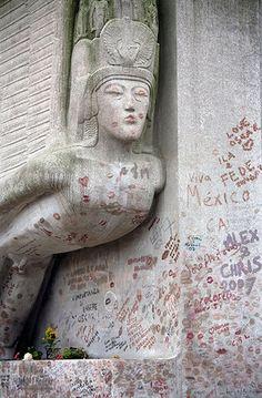 Ten best: Grave of Oscar Wilde in Pere Lachaise Cemetery, Paris