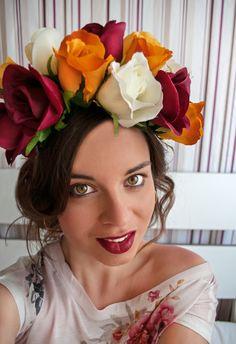 Flower Power, Crown, Flowers, Fashion, Moda, Corona, Fashion Styles, Royal Icing Flowers, Fashion Illustrations