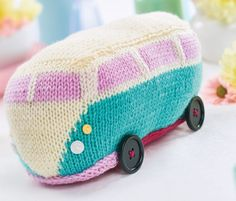Park yourself in your favourite armchair and assemble your very own camper with this design by Ella Austin. There are no tricky increases or decreases so you can focus on working the intarsia chart. The body is worked entirely in