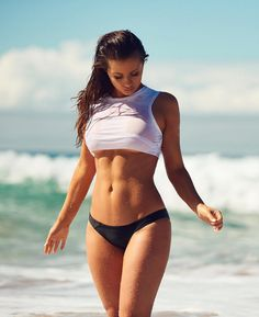 Girls wearing white tshirts need to find a wet tshirt contest : theCHIVE Sexy Bikini, Bikini Girls, Mode Des Leggings, Wet T Shirt, Shirt Art, Sexy Outfits, Gorgeous Women, Sexy Women, Swimwear