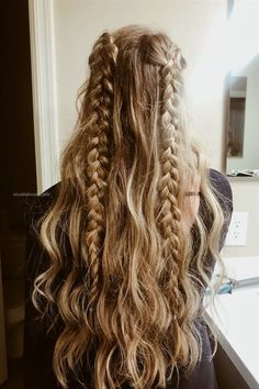 30 Trendy Hairstyles For School Updo Messy Buns - Hair Styles For School Cute Simple Hairstyles, Beautiful Haircuts, Easy Hairstyles For School, Teen Hairstyles, Half Braided Hairstyles, Cute Everyday Hairstyles, Cute Hairstyles For School, Amazing Hairstyles, Casual Hairstyles