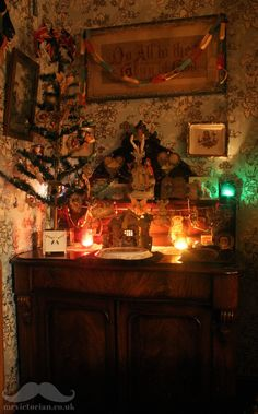 The Victorian period is linked with Christmas and many festive traditions of the time continue today. Top tips for the Victorian Christmas style. Cottage Christmas, Shabby Chic Christmas, Christmas Mood, Christmas Fashion, Christmas Villages, Christmas Christmas, Victorian Christmas Decorations, Christmas Mantels, Vintage Christmas Ornaments