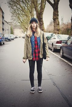 Chic Wish Shredded Denim Boyfriend Jacket, Gina Tricot Lumberjack Shirt, H&M Parka, Ebay Vans Old Skool