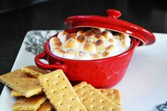 s'mores dip!!! great for the outdoors / picnics / campfire! need to try!