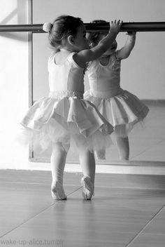 Tiny ballerina - If you want to become a pro, you need to start early!