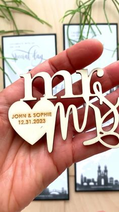 Innovate the traditional Save the Date with these watercolor city skylines. And choose between 4 wooden magnet honorific titles.Remember the date of your special day adding a magnet on the fridge of your guests. #savethedatemagnets #magnetssavethedates #savethedatemagnetideas #weddingdestionation #weddingsavethedates