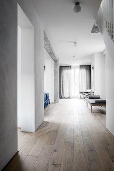 Polish design studio Loft Kolasinski bring their signature playful interior style and love for European furniture to their recent House in Pogodno project. Interior Design Trends, Colorful Interior Design, Home Decor Trends, Interior Styling, Design Ideas, Light Hardwood Floors, Hallway Designs, European Furniture, Prefab Homes