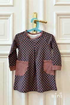 Kleider - Gr.98/104 Mädchenkleid Punkt - ein Designerstück von mira_werkstatt bei DaWanda