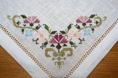 The most beautiful cross-stitch pattern - Knitting, Crochet Love Cross Stitch Letters, Cross Stitch Borders, Cross Stitch Samplers, Modern Cross Stitch, Cross Stitch Flowers, Cross Stitch Designs, Cross Stitching, Cross Stitch Embroidery, Hand Embroidery