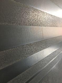 Creative Wall Painting, Wall Painting Decor, Faux Painting, Wall Decor, Metallic Paint Walls, Metallic Wallpaper, Plaster Wall Texture, Wall Texture Design, Venetian Plaster Walls