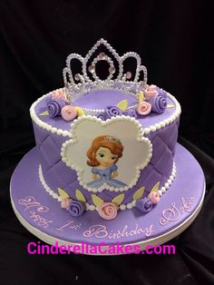 Sofia the first cake Princess Sofia Cake, Princess Sofia Birthday, Sofia The First Birthday Cake, 1st Birthday Cakes, Bolo Sofia, Just Cakes, Cake Pictures, Party Cakes, Creations