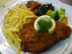 Cordon bleu mit Pommes frites und Gemüse