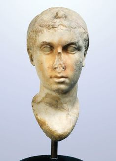 Marble head of Cleopatra VII, second half of the century BCE. Found in 1784 near the Villa dei Quintili in Rome. Ancient Rome, Ancient Greek, Ancient Art, Ancient History, Cleopatra, Battle Of Actium, Hellenistic Period, Classical Mythology, Roman Sculpture