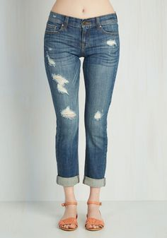 Genuinely Dressed Jeans in Light Wash. It doesnt get much more you than these low-rise jeans. #blue #modcloth