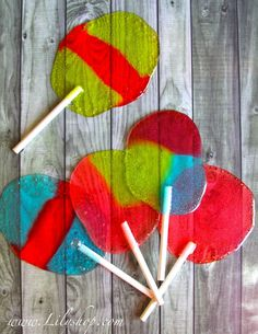 EASY Homemade Easter Egg Lollipops -- click through to see step-by-step instructions or watch video tute http://www.youtube.com/watch?v=qKAT9HQCyeo=player_profilepage