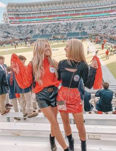 Ole Miss Gameday Outfit / The Grove / Oxford, Ms College Football Games, College Game Days, Football Outfits, Fall Outfits, Cute Outfits, Game Day Outfits, Tailgate Outfit, Tailgating Outfits, Auburn
