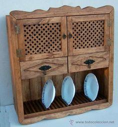 platero de madera con puertas de celosia y dos cajones , colgar en pared,, mueble ,,, mue365