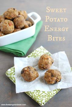 These Sweet Potato Energy Bites are snack-sized bites packed with protein and healthy fats! Grab a few before a tough workout or for an afternoon snack. Healthy Dessert Recipes, Healthy Treats, Snack Recipes, Cooking Recipes, Bar Recipes, Healthy Lunches, Healthy Breakfasts, Desserts, Eating Healthy