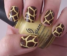 girrafe print nails