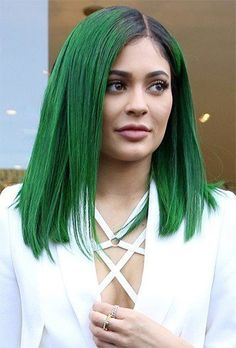 Below, is created a gallery of the Kylie Jenner hair in few styles to get the inspiration ideas overflowing. Kylie Jenner Ombre, Kylie Jenner Green Hair, Hair Lights, Light Hair, Penelope Cruz, Synthetic Lace Front Wigs, Synthetic Hair, Ombre Color, Hair Color