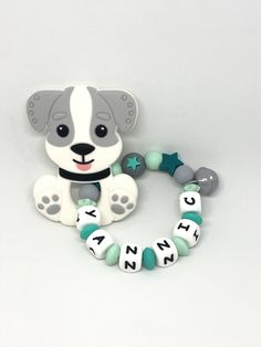 Personalisierter Beisseing mit Hund Grau Snowman, Disney Characters, Feathers, Dog, Gray, Snowmen, Disney Face Characters