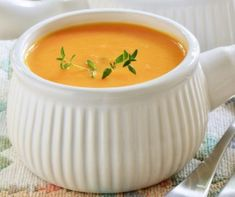 Creamy Sweet Potato and Pear Soup Recipe ~ serve with pear-stuffed grilled ham and cheese sandwiches! Medium Recipe, Soup Recipes, Cooking Recipes, Healthy Recipes, Healthy Soup, Apple Recipes, Garlic Benefits, Acid Reflux Recipes, Spicy Soup